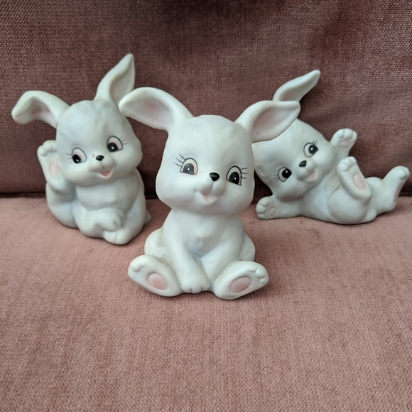 Vintage Other - VTG 1982 Homco Porcelain Playful Set of Bunnies